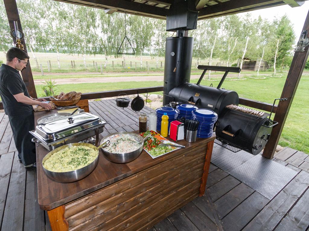 Barbecue MQ-Style: Buffets aus unserem authentischen American BBQ Smoker