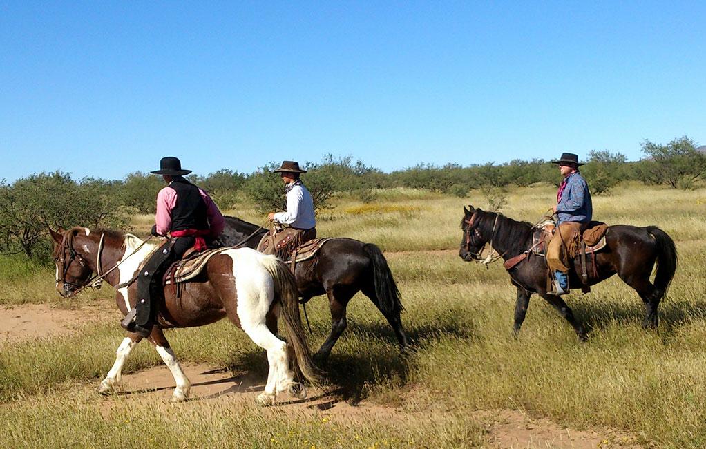 Cowboys unter sich beim richtigen Westernreiten