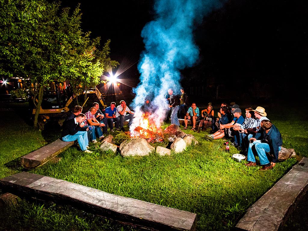 Lagerfeuer auf der MQ Ranch