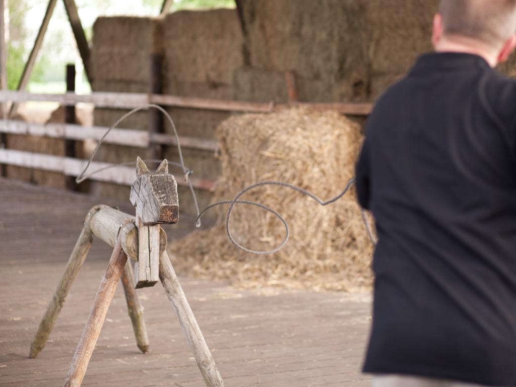Kälbchen-Fangen mit dem Lasso: Western Teamevents auf der MQ Ranch