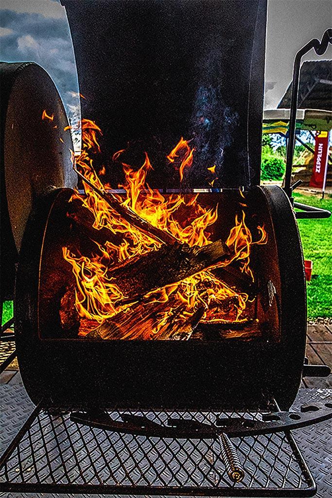 Wir verwenden abgelagertes Buchenholz beim MQ Ranch BBQ