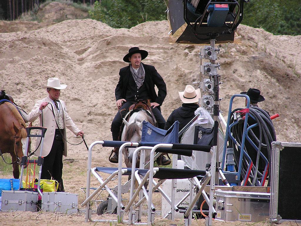 Und Action: Stuntreiter zu buchen über die MQ Ranch