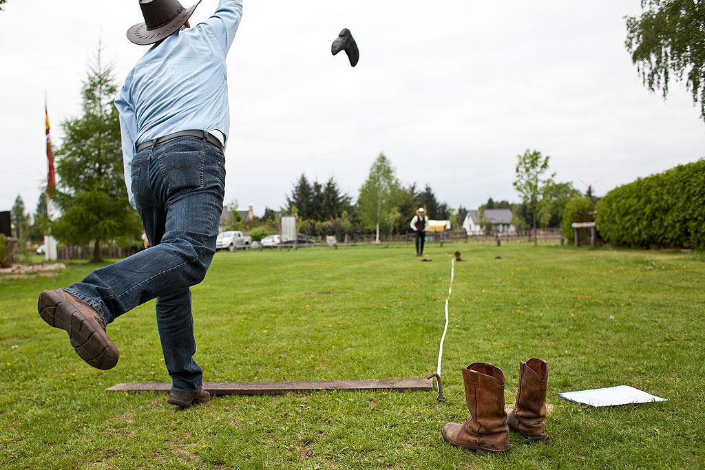 Western-Stiefel-Weitwurf - nur für echte Cowgirls und Cowboys